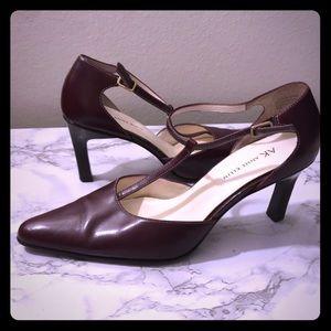 Anne Klein Burgundy Leather Retro T Strap Heels 8m